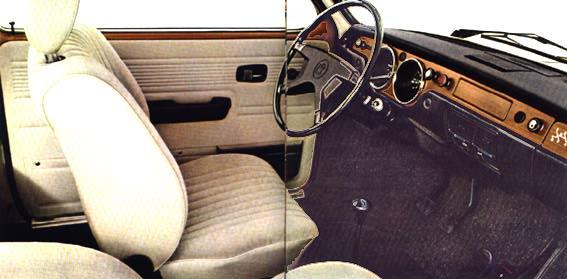 Den komfortabla inredningen i VW 412